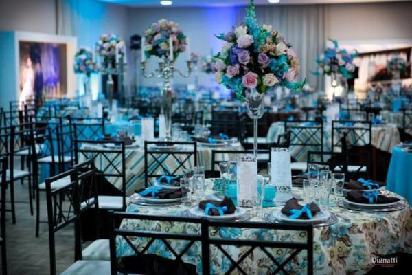 casamento com decoração marrom e azul