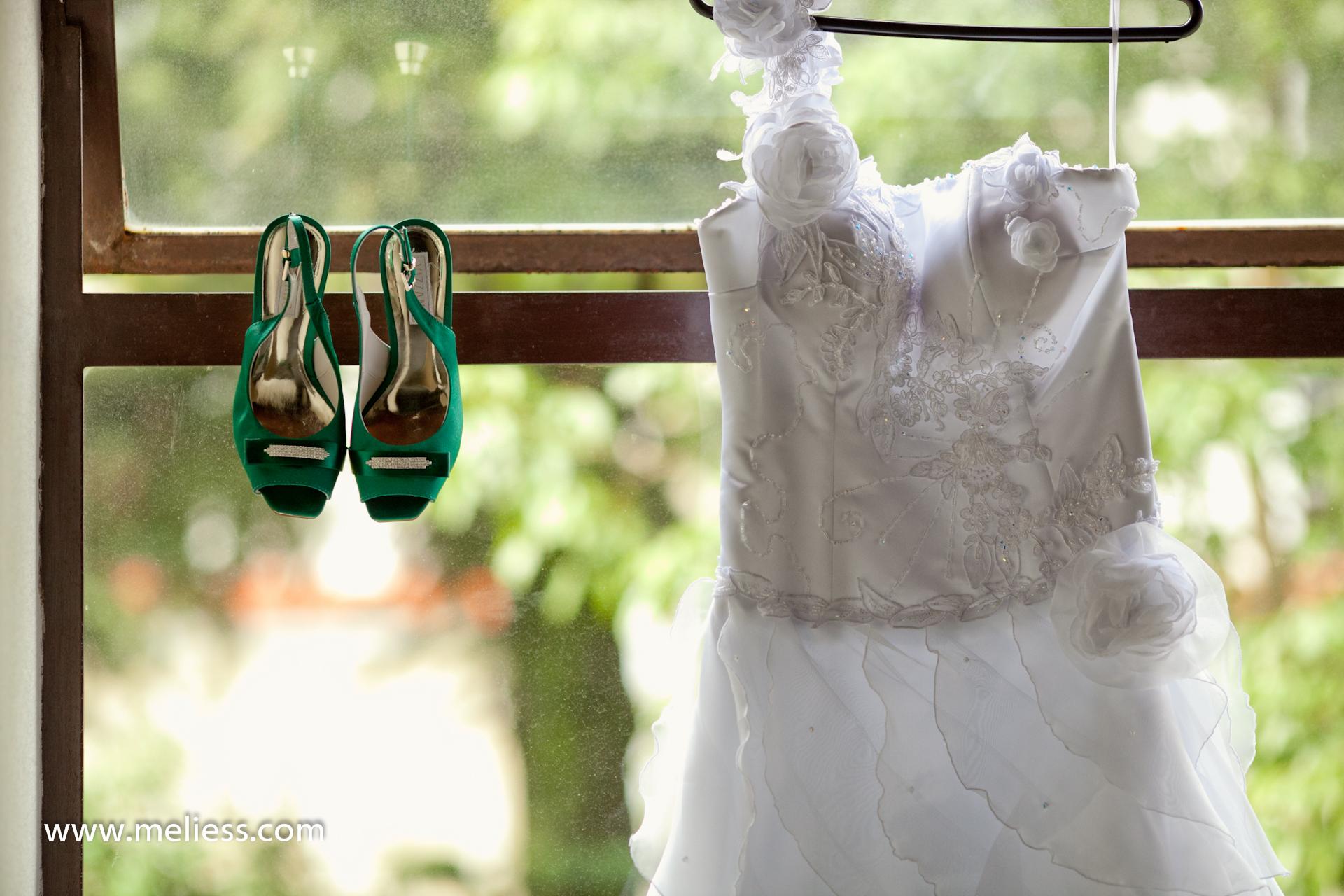 Noivas e seus sapatos coloridos