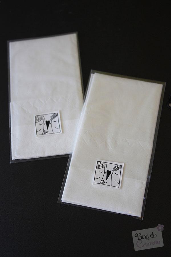Lencinhos de papel para os convidados