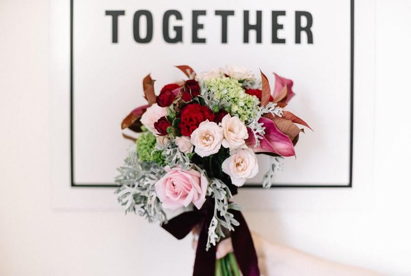 casamento religioso - buquê marsala