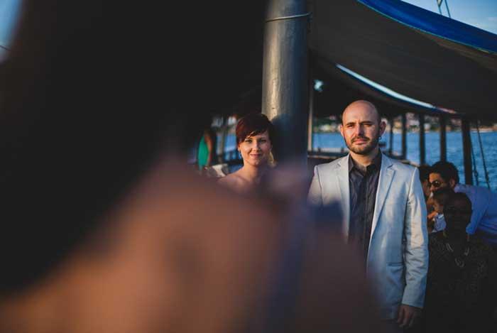 Karina + Tiago: Um casamento na escuna