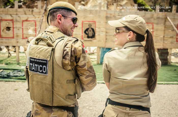 O pré wedding de um casal policial