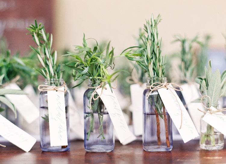 Ervas aromáticas na decoração do casamento - lembrancinhas
