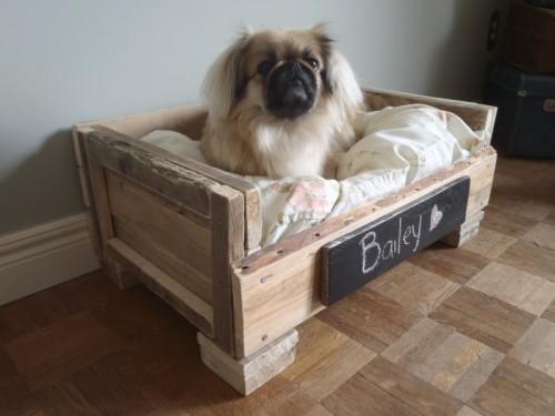 Faça você mesmo: caminha de cachorro com caixa de madeira