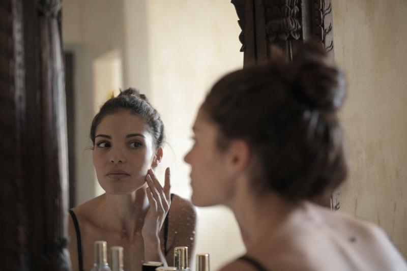 pele oleosa cuidados para a maquiagem durar