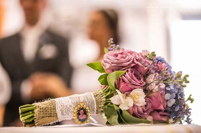 relicário para homenagear os ausentes no casamento
