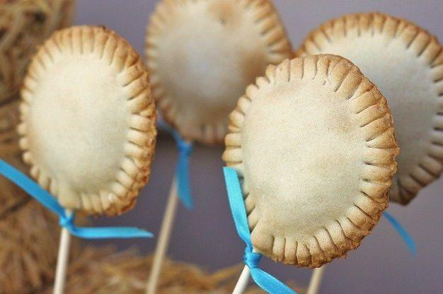 pie pop - tortinhas assadas no palito