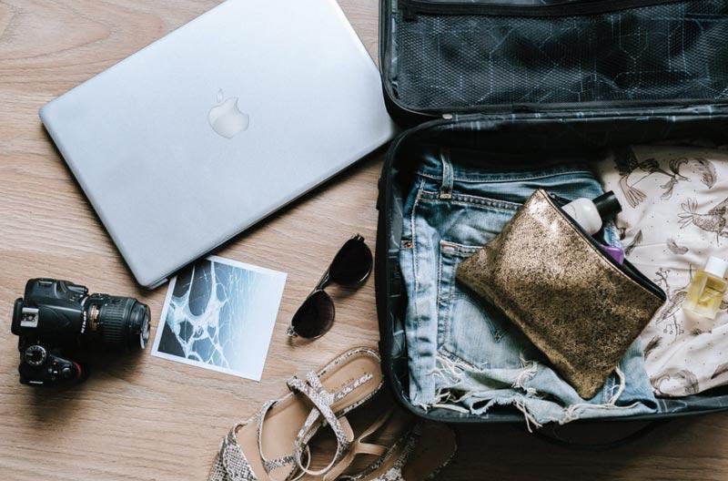 Viagem lua de mel: 7 itens essenciais para levar na mala